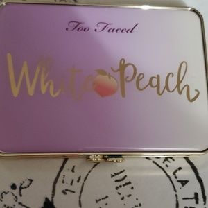 White peach pallete from too faced